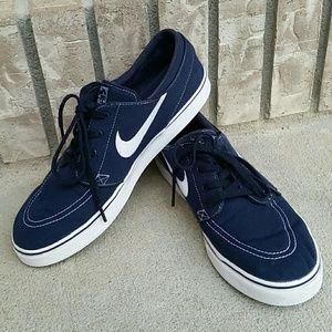 Nike Stefan Janoski skateboarding shoes sneakers